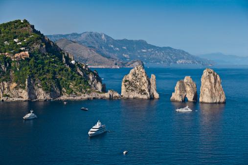 Isola di Capri: mare, moda e colori unici al mondo