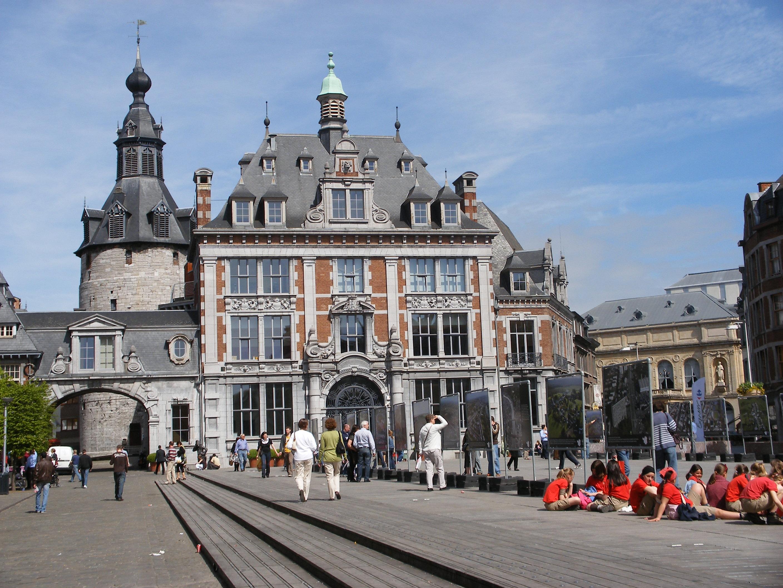 Namur città