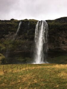 Islanda cascata Seljalandsfoss 2