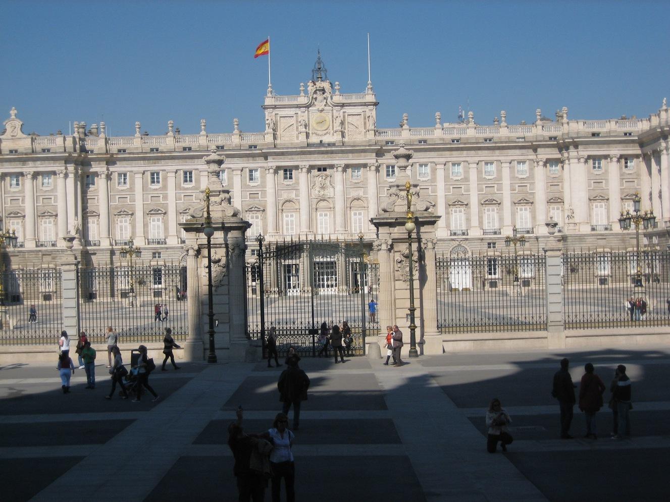 Visitare Madrid: tra Vicoletti Storici e Movida Notturna
