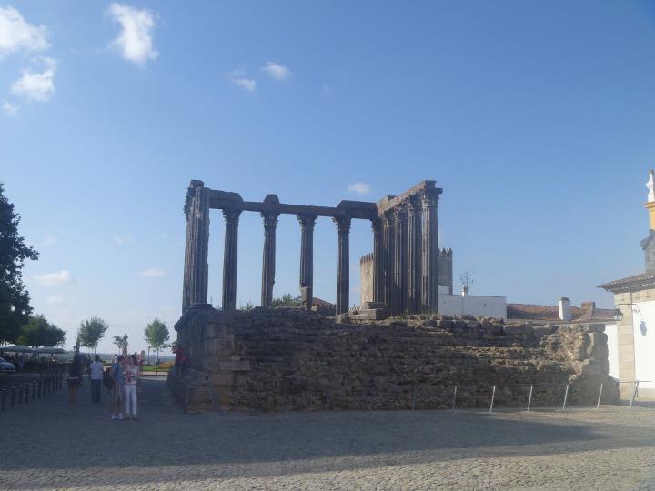 Tempio-romano - Evora