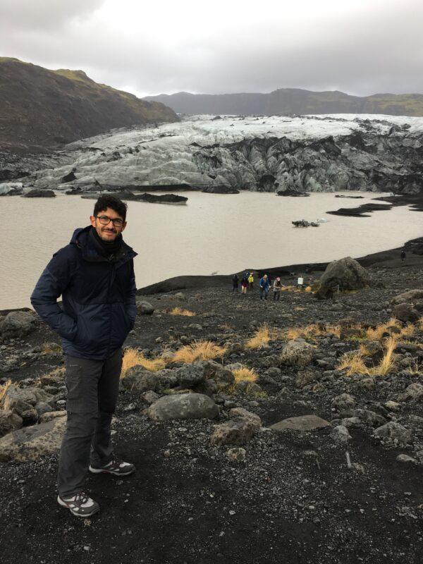 Viandante sul Sólheimajökul 2