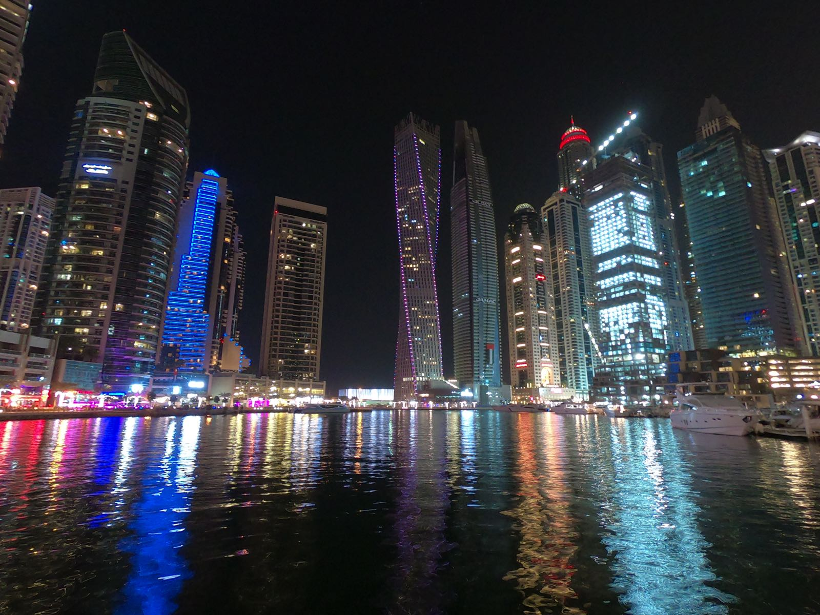 Dubai, un mix esplosivo e stravagante: ecco cosa non perdere