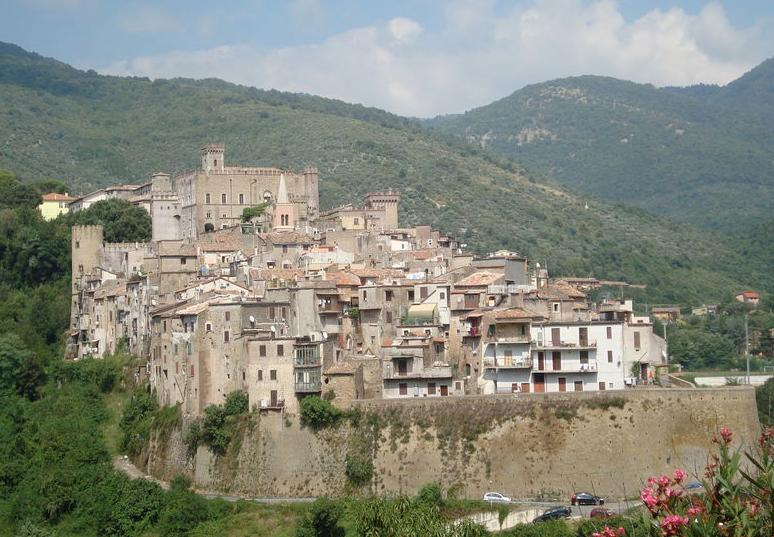San Gregorio da Sassola, tra Eventi e Borghi Medievali